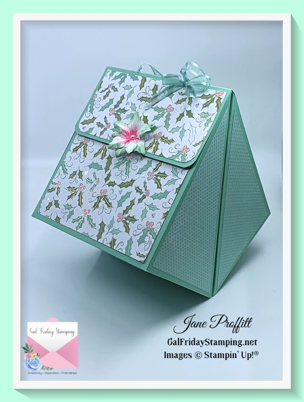 The gift bag is an amazing shape.  The pdf for this creation from the Whimsy & Wonder Gift Set will be posted in my group tomorrow.